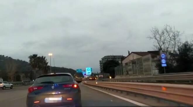Salerno, vasta operazione per traffico illecito di stupefacenti: coinvolte 47 persone
