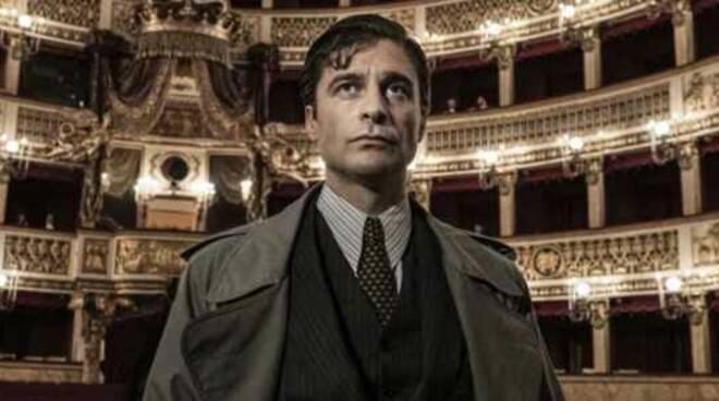 """Stasera in TV """"Il Commissario Ricciardi"""": le anticipazioni della puntata di oggi"""