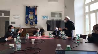 Turismo, l'incontro a Meta tra i sindaci della Penisola e l'assessore Casucci