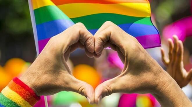 Usa, 5,6% si identifica come Lgbt. E il 72% dei giovani si dichiara bisessuale