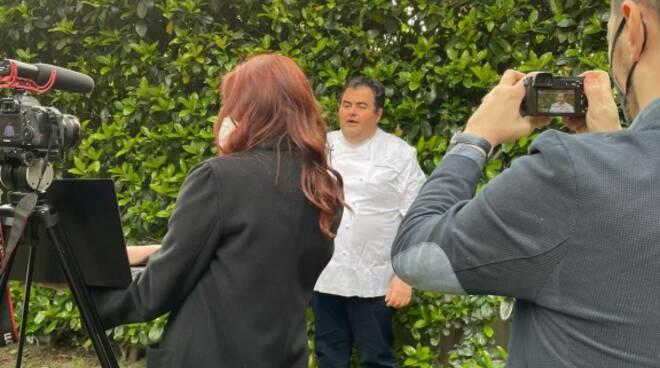 Al via la campagna pasquale di Open: testimonial d'eccezione Chef Gennaro Esposito