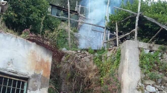 Amalfi: le limitazioni per l'accensione di sterpaglie o fuochi di pulizia nei fondi agricoli