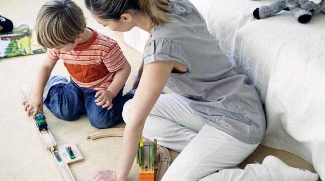 Bonus baby sitter 2021: come funziona e a chi spetta