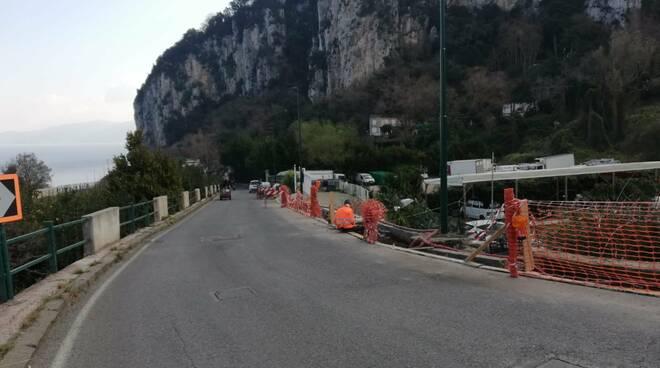 Capri, partono i lavori in via Don Giobbe Ruocco con barriere rispettose del paesaggio