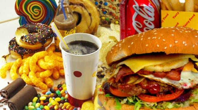 Attenzione al bliss point: la dipendenza da cibo spazzatura