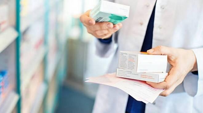 Covid, nel Salernitano più richieste di cortisonici e di ossigeno. Novità nelle vaccinazioni per chi è stato contagiato