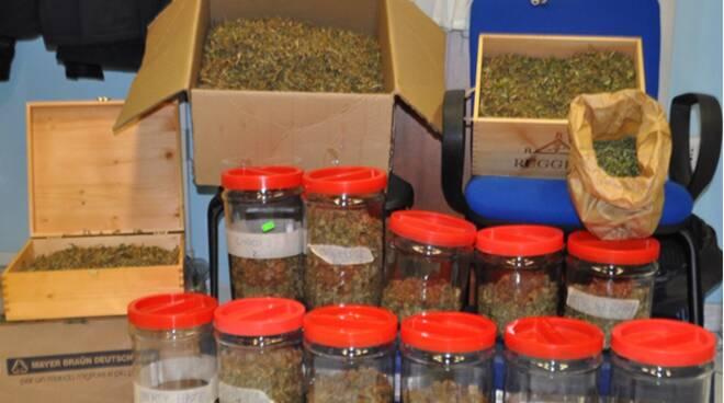 Cava de' Tirreni: arrestato incensurato per spaccio e detenzione illegale di munizioni per armi da guerra