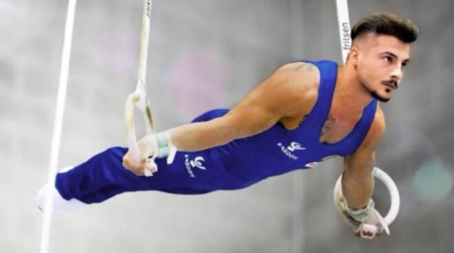 """Salvatore Maresca, l'atleta stabiese convocato agli Europei di Ginnastica  Artistica. """"La ginnastica mi ha salvato dalla camorra"""" - Positanonews"""