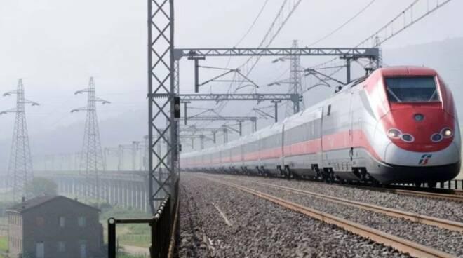Ferrovie dello Stato, da aprile via al treno Roma-Milano Covid-free