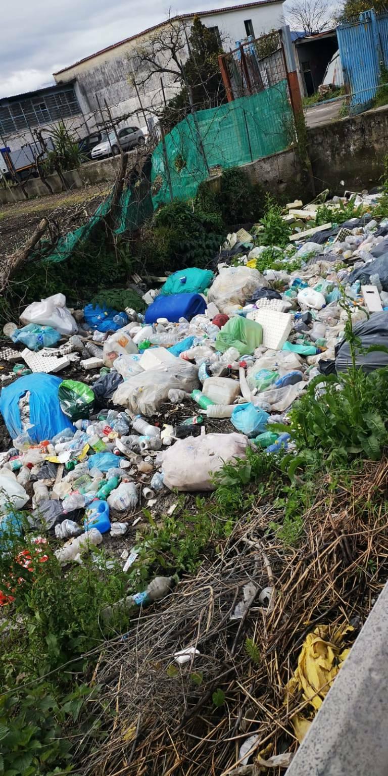 """Fiume Sarno, la Senatrice Angrisani: """"Oltre al rischio idraulico, vi è anche un serio pericolo ambientale"""""""