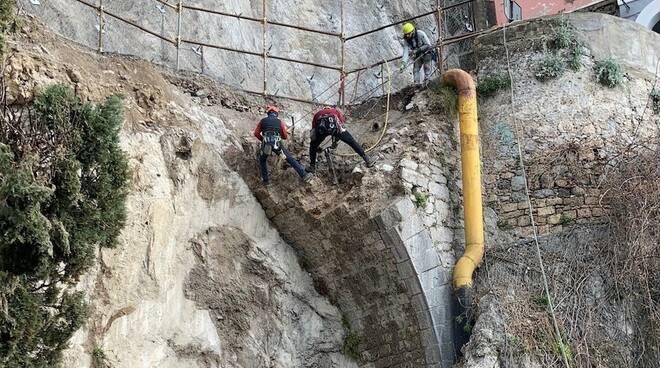 """Frana ad Amalfi, Anas: """"Stiamo rimuovendo le parti instabili"""""""