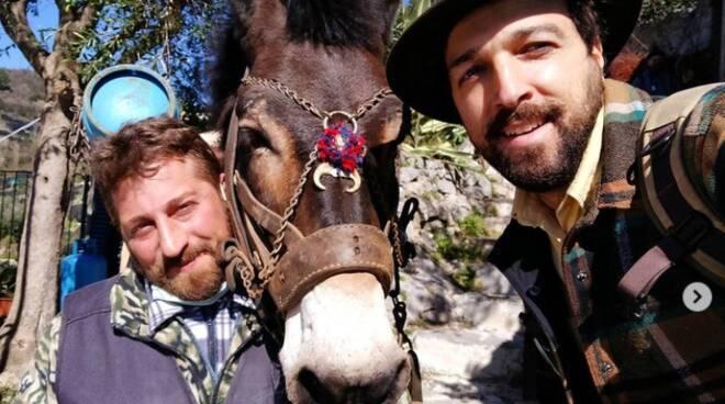 Frank Damiano, l'Indiana Jones napoletano, porta la Costiera Amalfitana in tv: appuntamento a domenica con Licia Colò