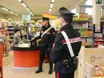 Furto in supermercato carabinieri