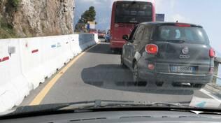 Lavori al costone tra Piano e Positano. Sfiorato incidente con autobus Sita