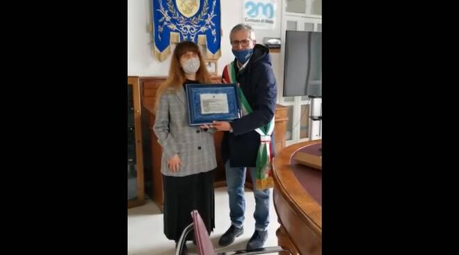 Meta, dopo anni di lavoro al Comune arriva la meritata pensione per Maria D'Esposito