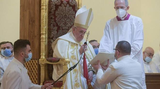 """Papa Francesco in Iraq: """"Gesù cambia la storia con la forza umile dell'amore"""""""