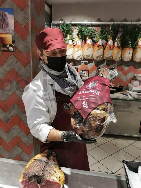 """Piano di Sorrento, al Supermercato Tre Esse l'ottimo prosciutto """"L'Umbriaco"""""""