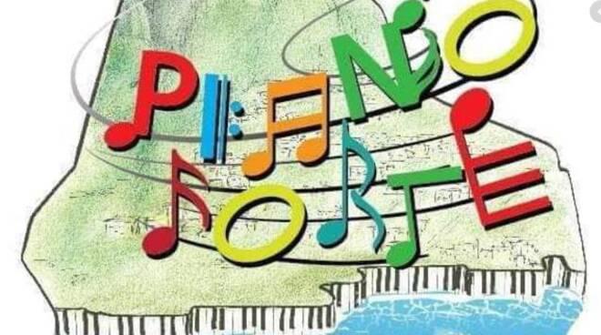"""Piano di Sorrento, il movimento Pianoforte: """"Senza certezza la scuola di Via Carlo Amalfi non si abbatte"""""""