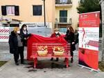 Piano di Sorrento, nel giorno della Festa della Donna una panchina rossa sul belvedere