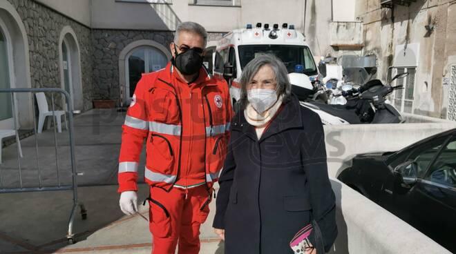 """Positano, la testimonianza della scrittrice Rita Di Lieto: """"Fate tutti il vaccino"""""""