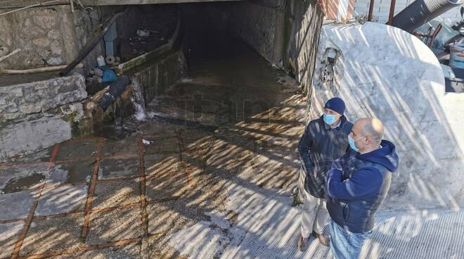 Positano, lavori alla Villa Romana: recupero di colonne per riqualificare l'area
