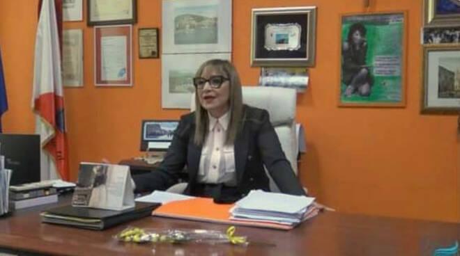 Praiano: Maria Angela Rispoli, preside a Gaeta, nominata Donna Del Dialogo 2021