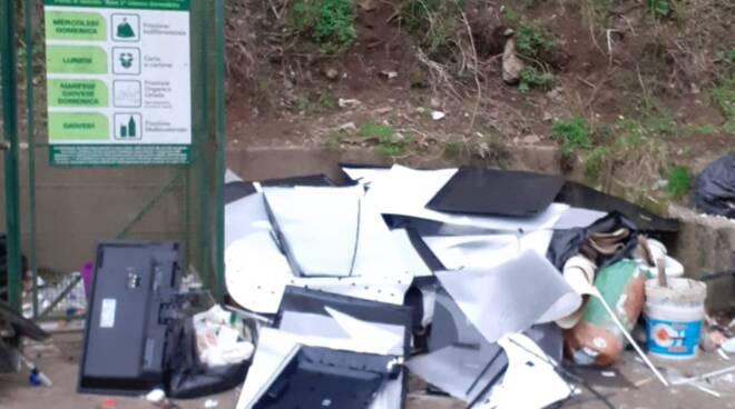Rifiuti tossici in discariche abusive, blitz a Cava de' Tirreni