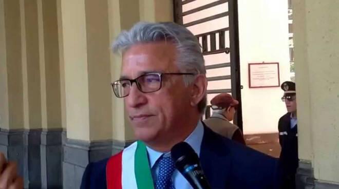 """Salerno, il sindaco invita i cittadini a rispettare le regole: """"Troppo alti i numeri dei contagi"""""""