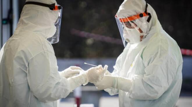 Salerno respira, scende la curva dei contagi: 300 contagi in due settimane