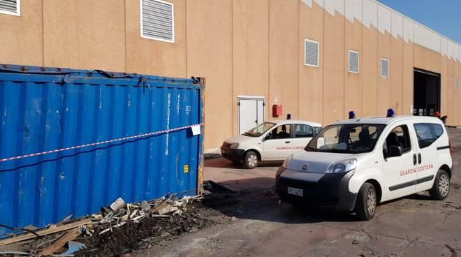 Salerno sequestrate oltre 200 tonnellate di rifiuti al porto