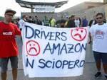 Sciopero Amazon, i dipendenti chiedono la solidarietà dei consumatori invitandoli a evitare acquisti per l'intera giornata