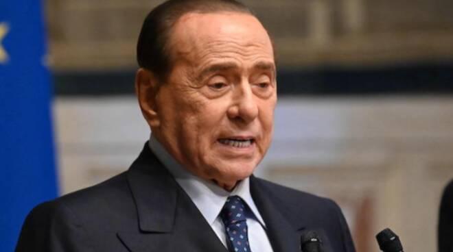 Silvio Berlusconi, ricoverato da lunedì in ospedale