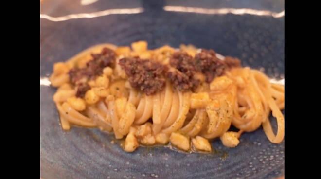 """Sorrento, la ricetta delle linguine con scorfano del ristorante """"Il Buco"""""""