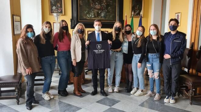 Sorrento, studenti statunitensi in visita al Comune