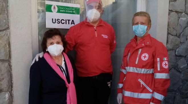 "Vaccini a Positano e Maiori, CRI - Costa Amalfitana: ""Grazie ai sindaci. Momento bellissimo"""