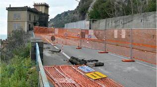 Vietri sul Mare, nuovi pericoli in via Croce: la strada cede, fessura in un marciapiede