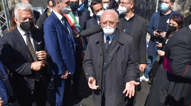 Amalfi, arriva De Luca per la riapertura della Statale: in corso la cerimonia ufficiale