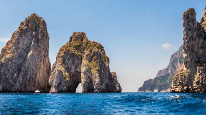 """Capri, appello del gruppo consiliare """"CapriVera"""". L'isola azzurra non può restare senza sportello Gori"""