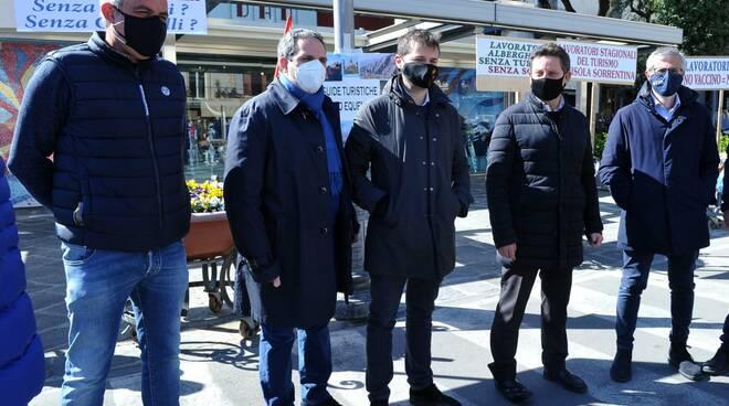 Gianni Mormile con i sindaci della Penisola Sorrentina
