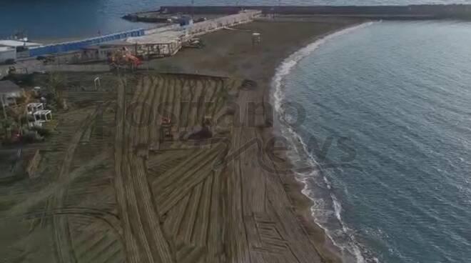 lavori spiaggia meta