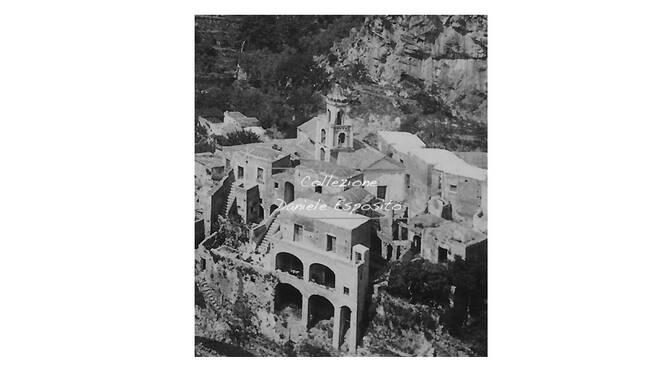 Positano, la foto spettacolare delle scale di Liparlati che hanno ispirato l'artista Escher