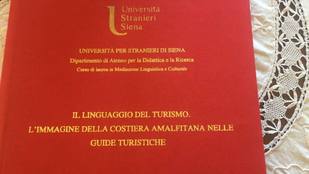 Positano, Maria Cinque dottoressa in Mediazione Linguistica e Culturale