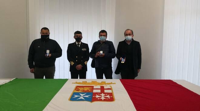 Salerno, consegnate le medaglie d'onore di lunga navigazione