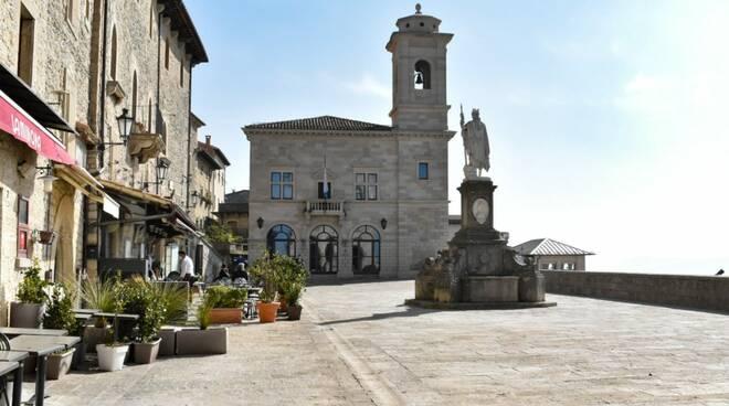 San Marino riapre tutto col vaccino Sputnik, da lunedì si potrà anche cenare fuori