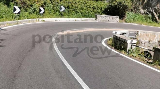 Statale Amalfitana: olio su strada, prestare attenzione