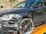 Ubriaco alla guida causa incidente in galleria: denunciato