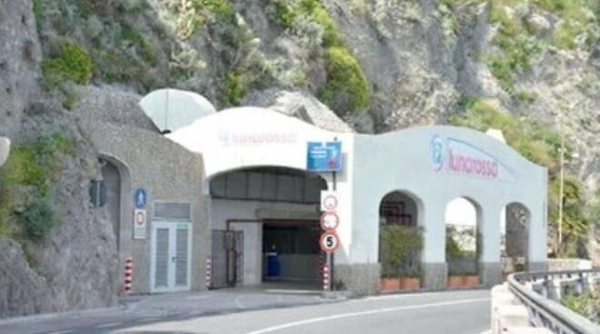 Amalfi, Luna Rossa super-parcheggio si allaga