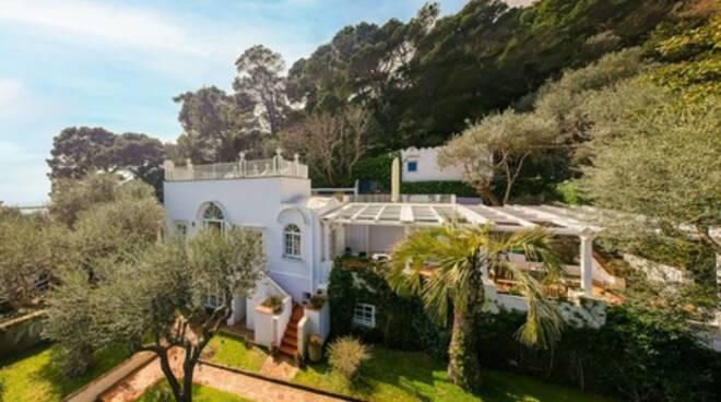 Capri, è in vendita la villa di Christian De Sica