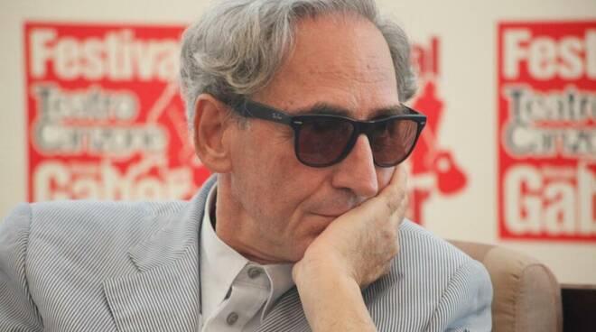 Dieci giorni fa, il 18 maggio ci ha lasciato Franco Battiato guru della musica italiana.