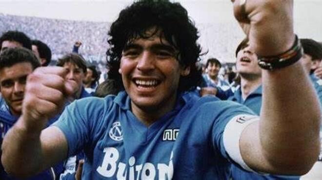 Il Premio Ambasciatore del Sorriso 2021 sarà dedicato a  Diego Maradona